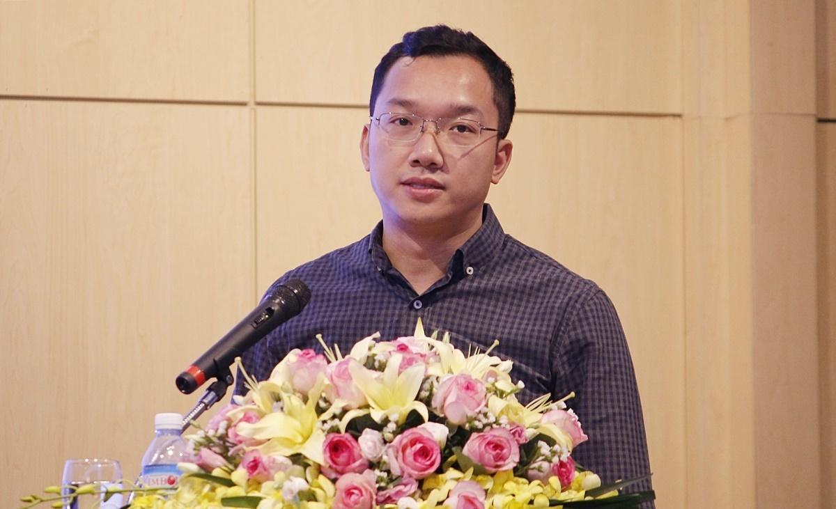Ông Hoàng Minh Tiến, Phó Cục trưởng An toàn thông tin, Bộ Thông tin và Truyền thông, tại Hội thảo sáng 28/5. Ảnh: Thanh Hằng
