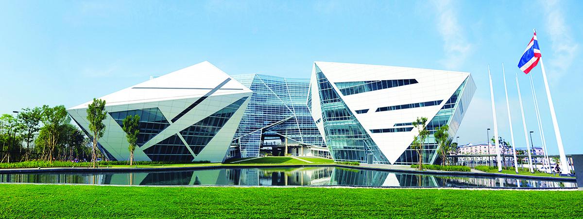 Tòa nhà hình kim cương là một không gian kích thích khả năng tư duy sáng tạo cho sinh viên BU.