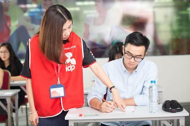 Nhiều trường đại học hàng đầu tại Việt Nam dùng điểm IELTS làm tiêu chí để xét tuyển đầu vào