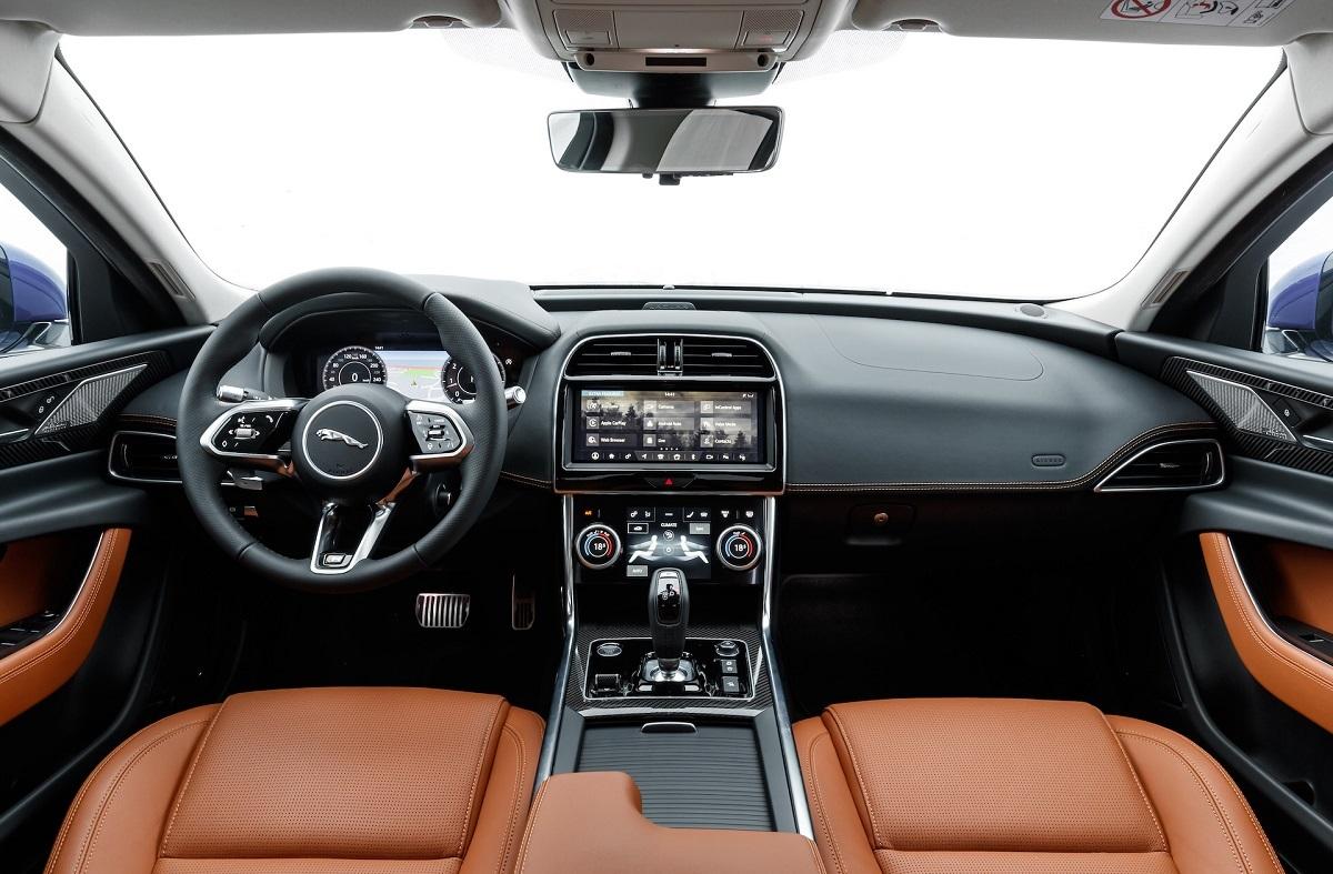Nội thất Jaguar XE.