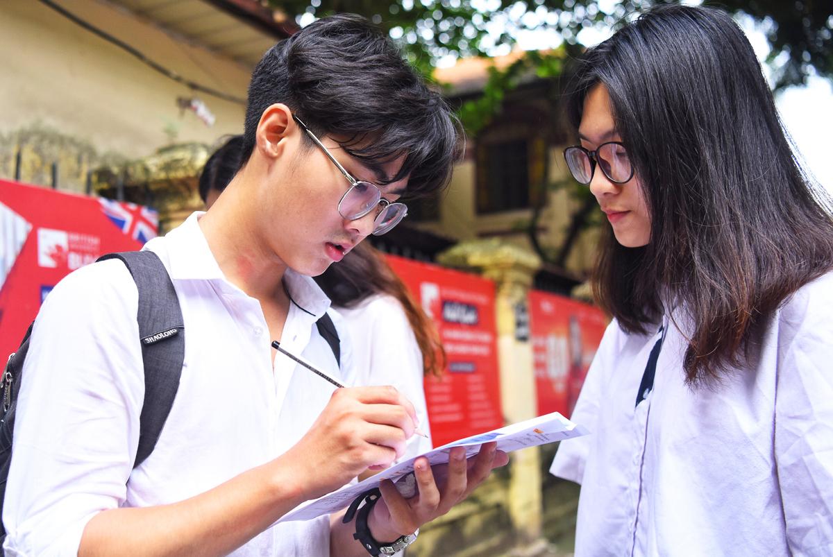 Thí sinh Hà Nội tham dự kỳ thi THPT quốc gia 2019. Ảnh: Giang Huy.