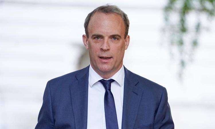 Ngoại trưởng AnhDominic Raab tại phố Downing, London, hôm 28/5. Ảnh: AFP.