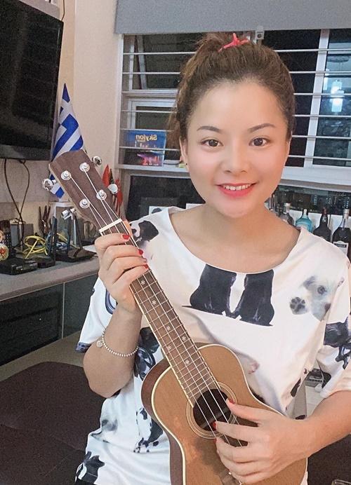 Chị Thương làm việc và nghỉ ngơi tại nhà khi Covid-19 bùng phát tại Singapore.Ảnh: Nhân vật cung cấp