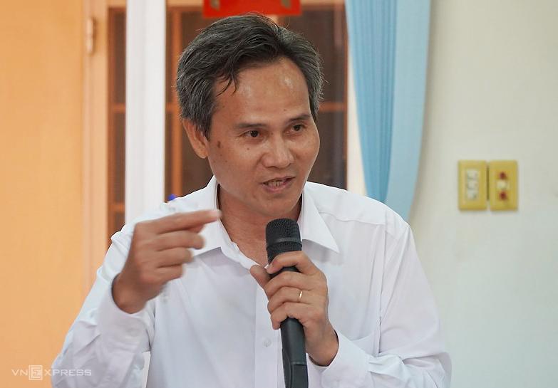 Thẩm phán Lê Viết Hòa, thành viên HĐXX vụ án, tại họp báo. Ảnh: Phước Tuấn.