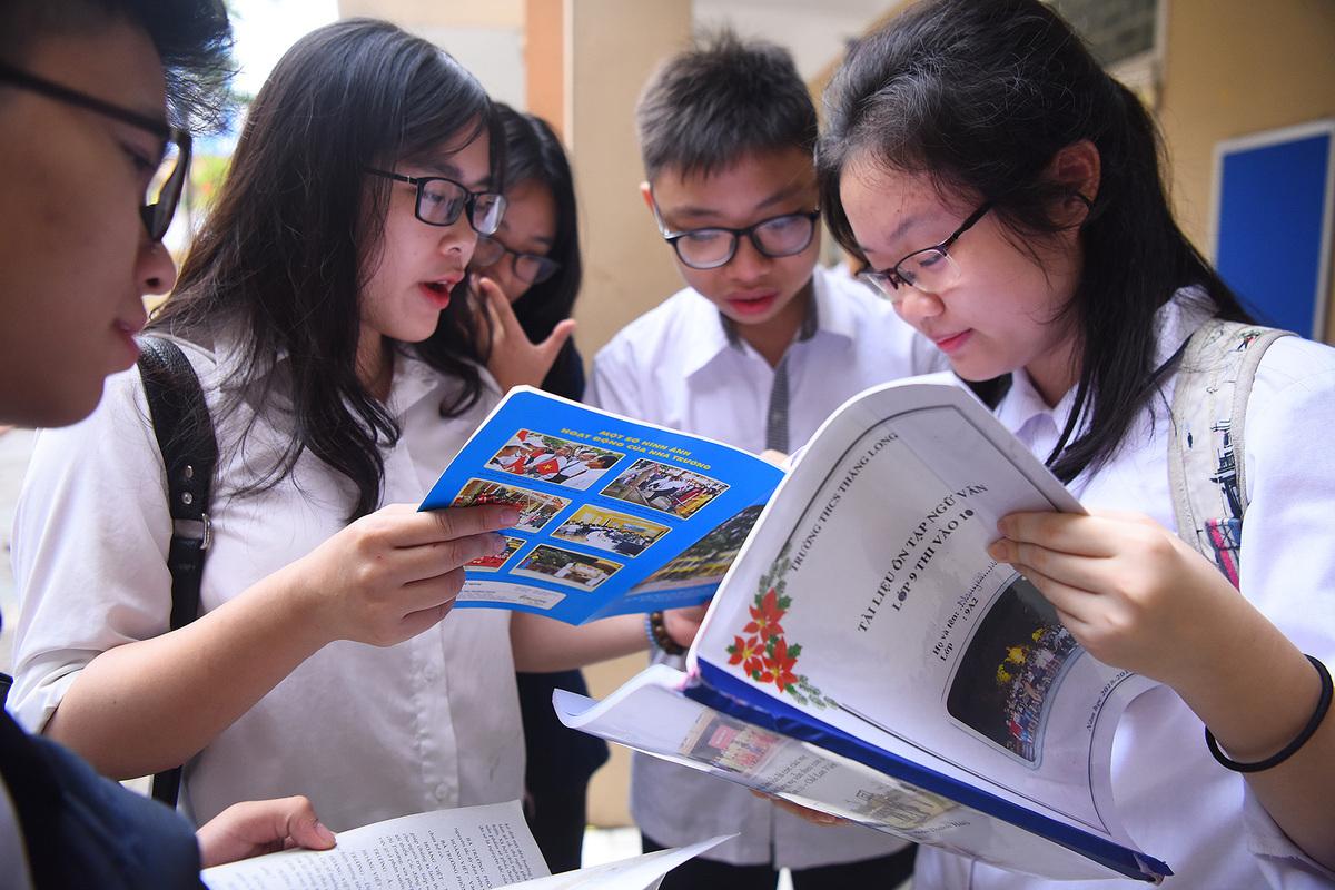 Thí sinh thi vào lớp 10 tại Hà Nội năm 2019. Ảnh: Giang Huy.