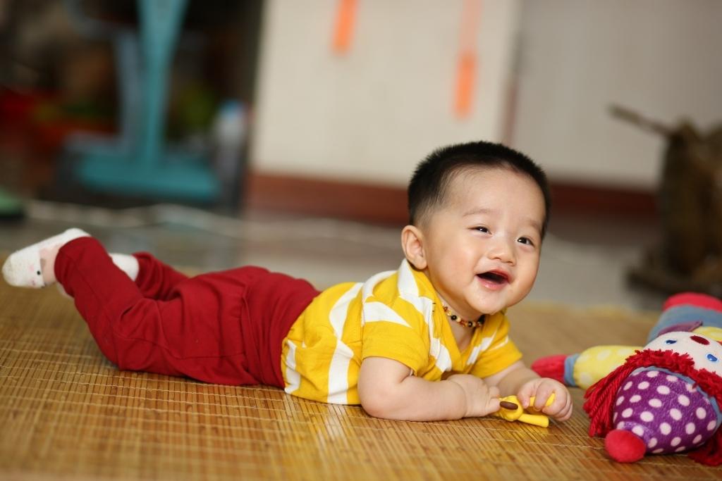 Henry 6 tháng tuổi ăn dặm - 3