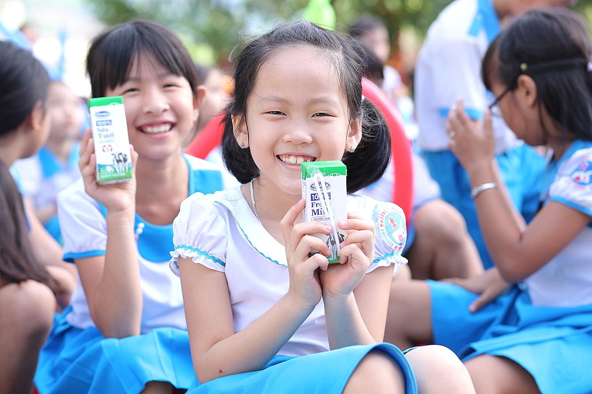 Chương trình đã mang đến một ngày hội cho trẻ em miền núi tỉnh Quảng Nam với thông điệp niềm vui uống sữa tại trường nhân dịp 1/6.