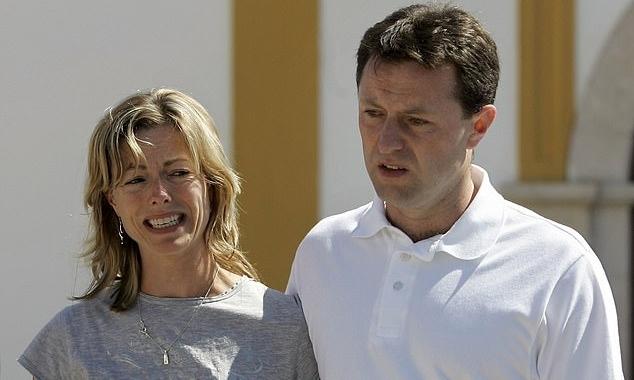 Kate (trái) và Gerry McCann tại Bồ Đào Nha năm 2007. Ảnh: AP.