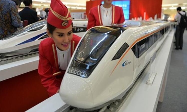 Mô hình tàu chạy trên đường sắt cao tốc Trung Quốc đưa ra năm 2016. Ảnh: CFP.