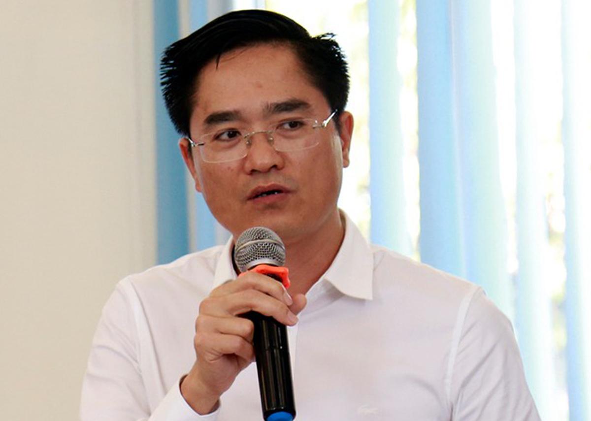 Giám đốc Sở GIao thông Vận tải TP HCM Trần Quang Lâm tại buổi làm việc với HĐND ngày 10/6. Ảnh: Hữu Công.