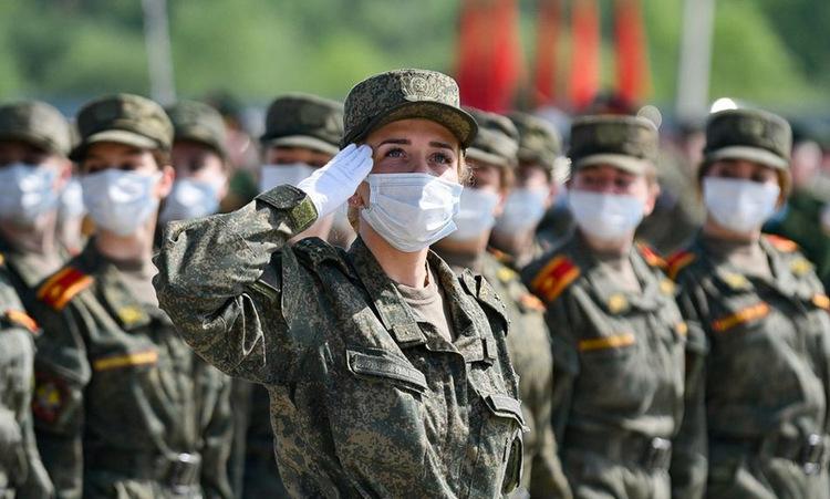 Binh sĩ Nga tập duyệt binh tại thao trường Alabino hôm 8/6. Ảnh: Bộ Quốc phòng Nga.
