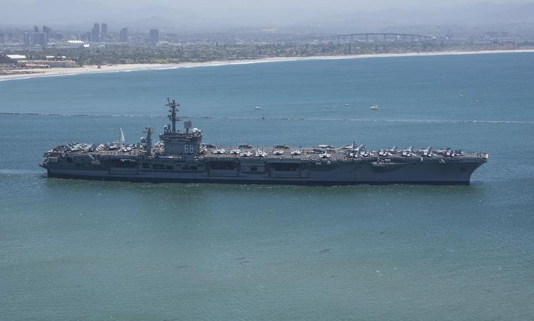 USS Nimitz rời quân cảng San Diego hôm 9/6. Ảnh: US Navy.
