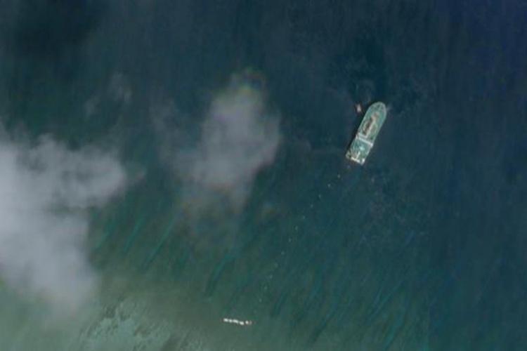 Ảnh vệ tinh cho thấy tàu Trung Quốc rải cáp ở Hoàng Sa ngày 4/6. Ảnh: Benarnews.