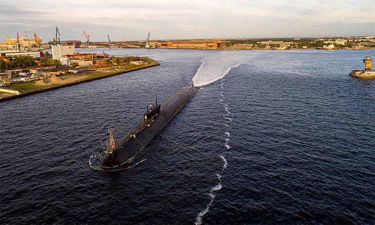 Tàu ngầm Đại hoàng tử Vladimir tại nhà máy đóng tàu Sevmash, Severodvinsk, Nga, tháng 7/2019. Ảnh: TASS.