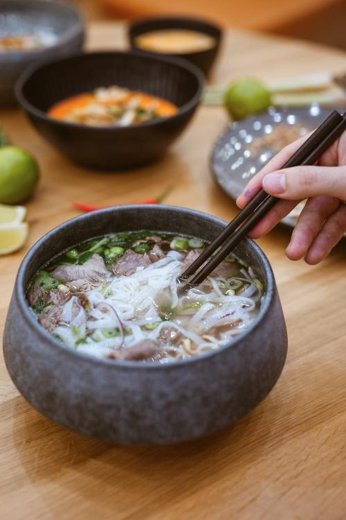 Một tô phở đặc trưng trong nhà hàng của Thảo Hương. Ảnh: NVCC.