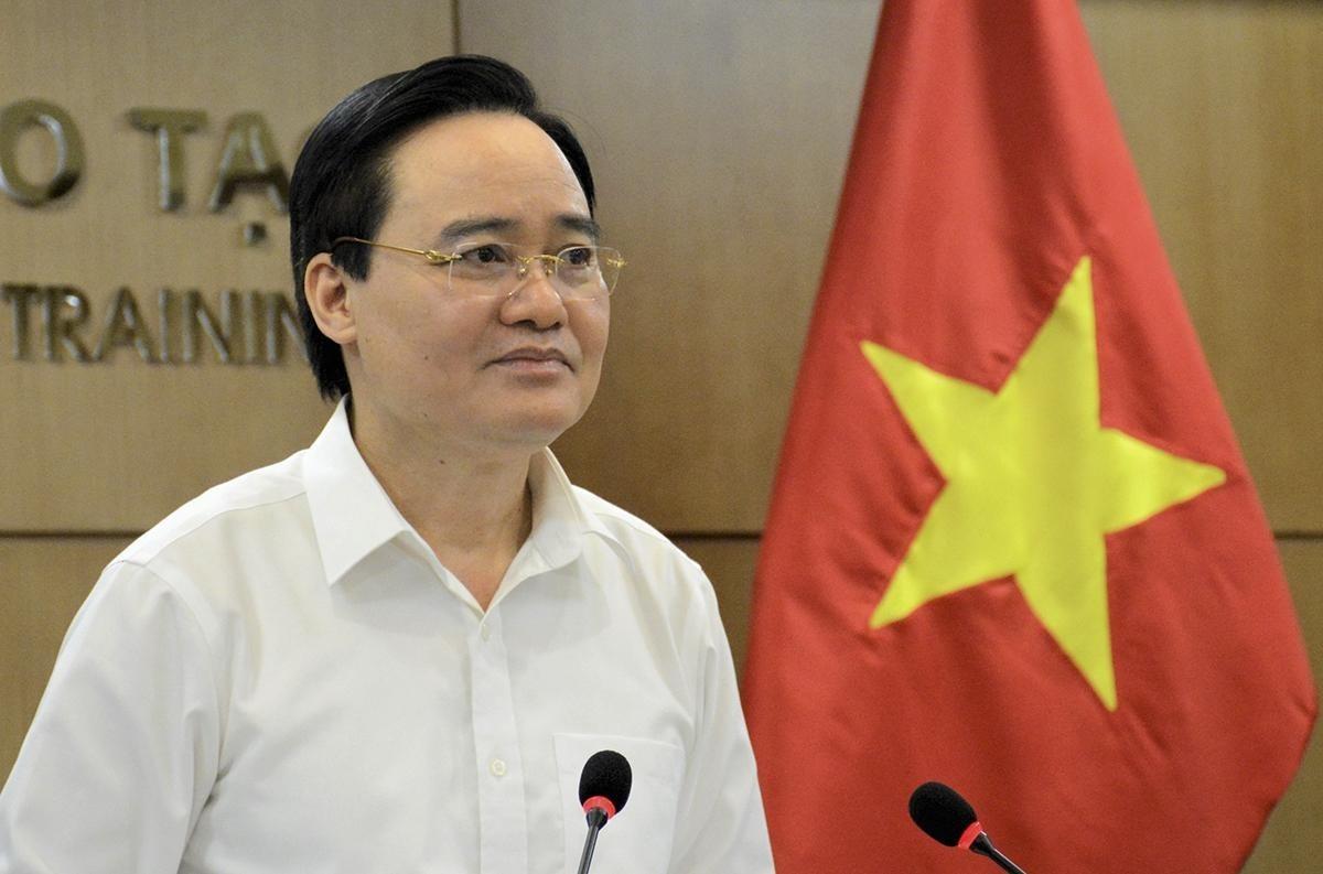 Bộ trưởng Phùng Xuân Nhạ phát biểu tại cuộc họp. Ảnh: Moet.
