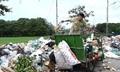 Nhà tôi phân loại rác nhưng công nhân vệ sinh vẫn đổ lẫn vào với nhau