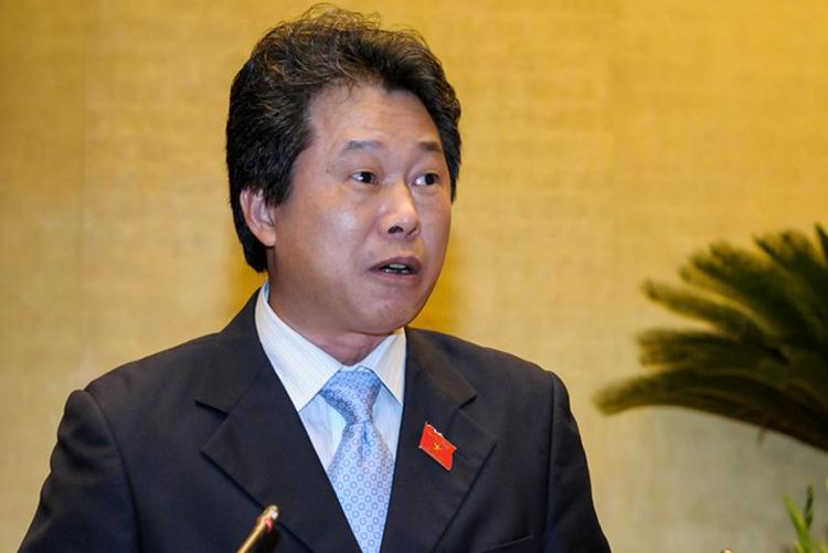 Đại biểu Đinh Văn Nhã, Phó chủ nhiệm Uỷ ban Tài chính Ngân sách. Ảnh: Trung tâm báo chí Quốc hội