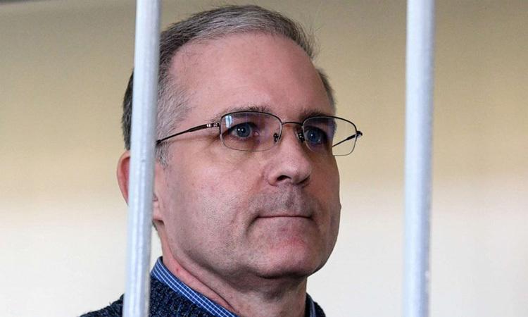 Cựu lính thủy đánh bộ Mỹ Paul Whelan trong phiên thẩm vấn hồi tháng 8/2019. Ảnh: AFP.