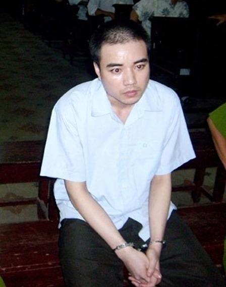 Bị cáo Hồ Duy Hải tại phiên tòa phúc thẩm năm 2009. Ảnh:Vũ Mai