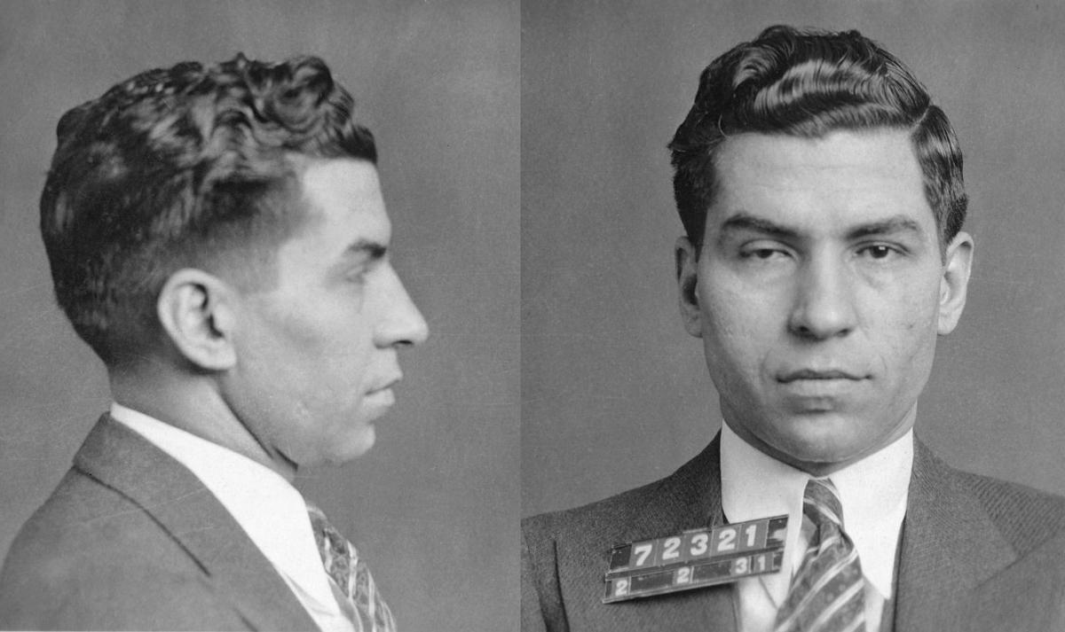Ảnh chụp chân dung của Luciano trong một lần bị bắt vào năm 1931. Ảnh: New York Police Department.