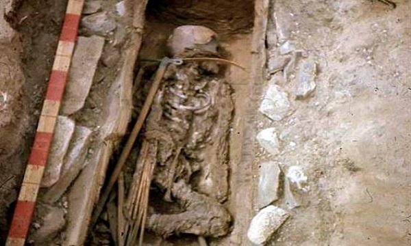 Ngôi mộ của nữ chiến binh Amazon 13 tuổi. Ảnh: Sun.