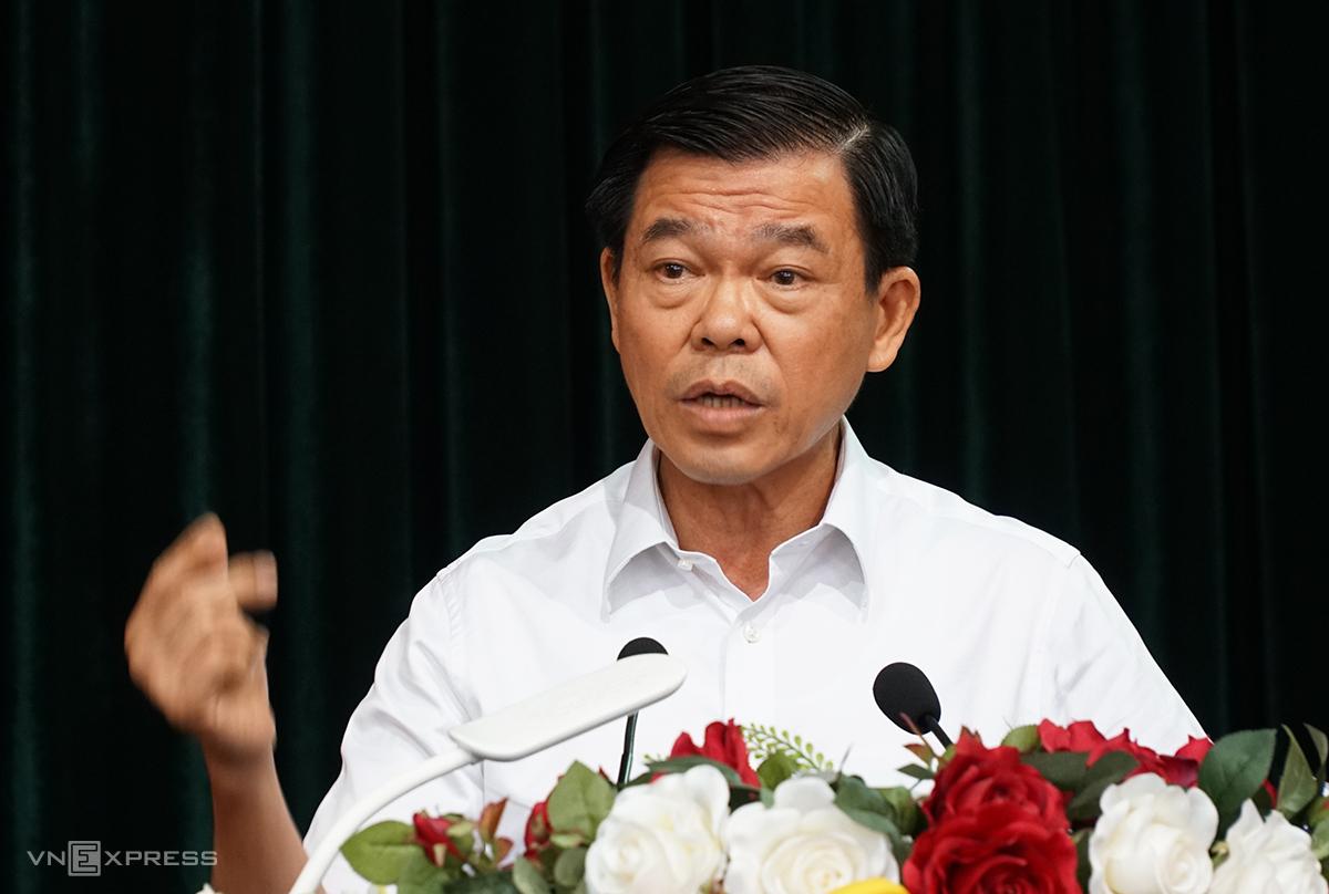 Ông Nguyễn Hồng Lĩnh phát biểu tại hội thảo. Ảnh: Trường Hà.