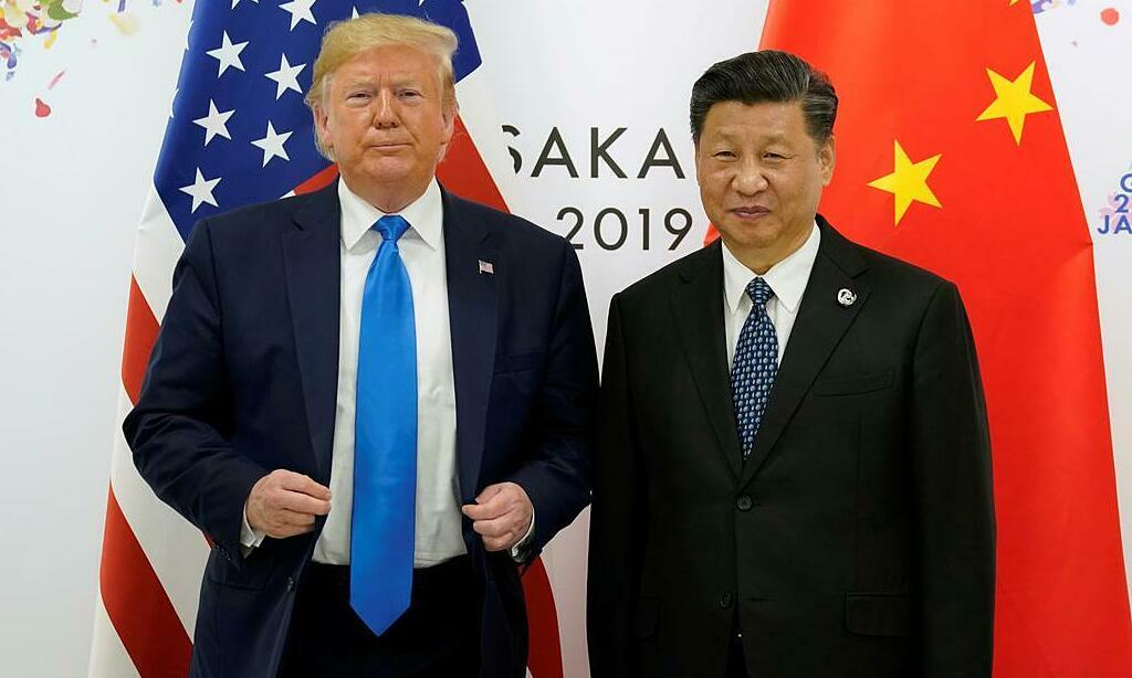 Tổng thống Mỹ Trump (trái) và Chủ tịch Trung Quốc Tập Cận Bình tại hội nghị thượng đỉnh G20 ở Osaka, Nhật Bản, tháng 6/2019. Ảnh: Reuters.