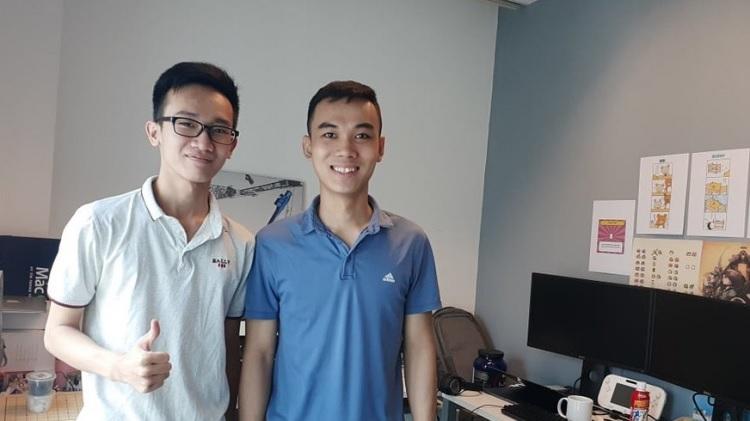 Nguyễn Quang Dũng (áo trắng) làm việc tại .GEARS studio
