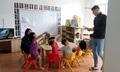 Khi giáo viên Tây ba lô dạy tiếng Anh không chuẩn