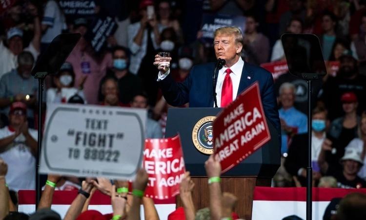 Tổng thống Mỹ Donald Trump tại buổi vận động tranh cử ở Tulsa, Oklahoma, ngày 20/6. Ảnh: Washington Post.