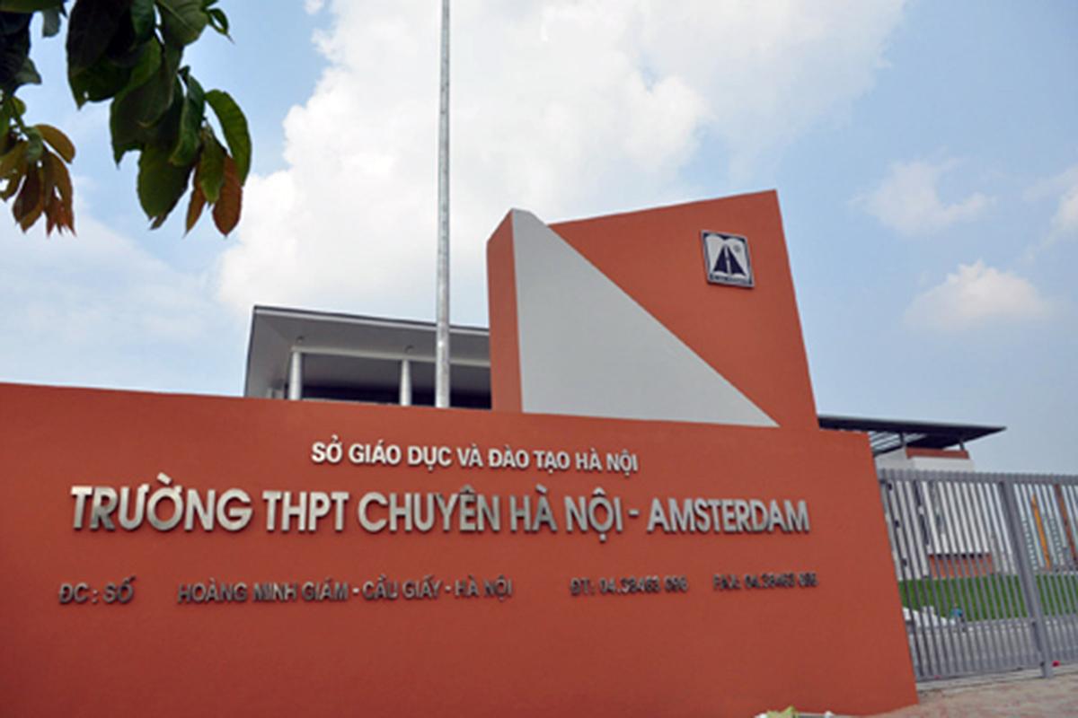 Trường THPT chuyên Hà Nội - Amsterdam nằm trên phố Hoàng Minh Giám, Hà Nội. Ảnh: Quang Xuân.
