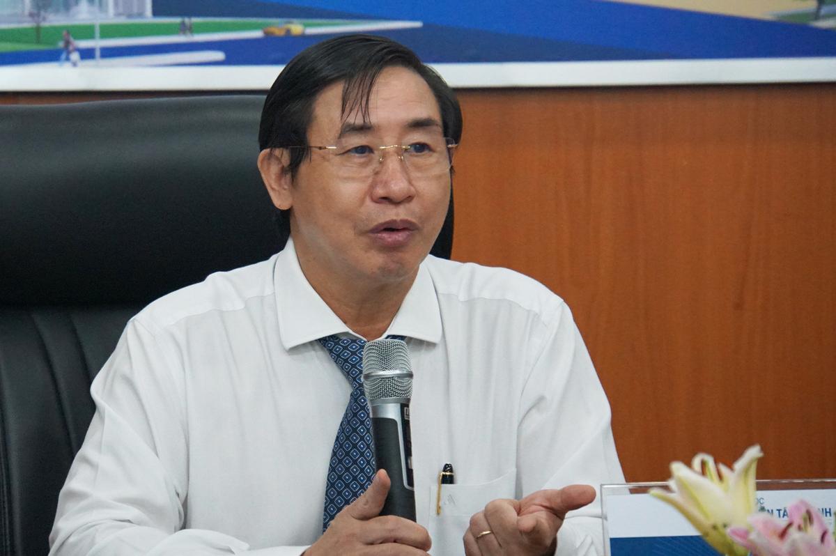 PGS Ngô Minh Xuân, Hiệu trưởng Đại học Y khoa Phạm Ngọc Thạch nói về những khó khăn trường đang đối mặt. Ảnh: Mạnh Tùng.