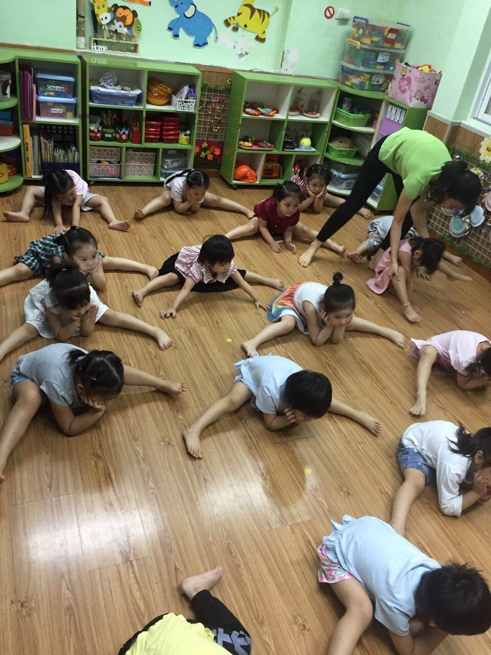 Hoạt động tại lớp của các con - 6