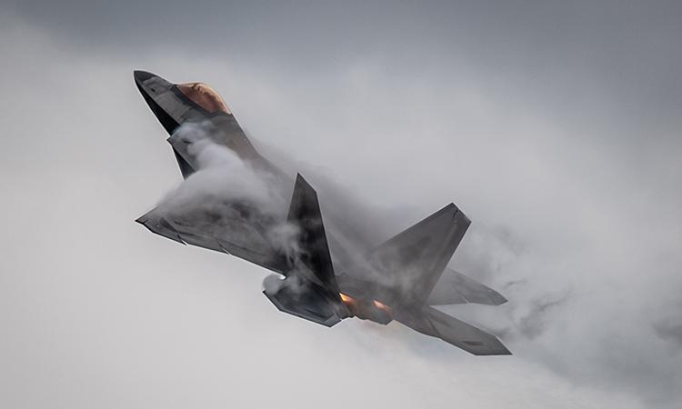 Tiêm kích F-22 của Mỹ cất cánh từ căn cứ hỗ hợp Langley-Eustis, bang Virginia, Mỹ, ngày 29/5. Ảnh: USAF.