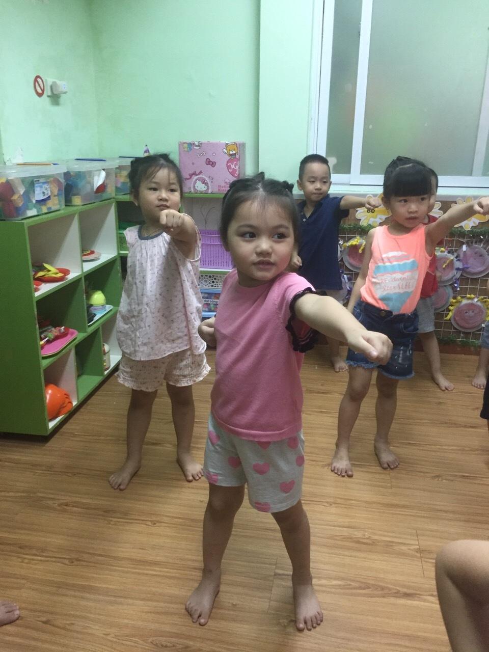 Hoạt động tại lớp của các con - 10