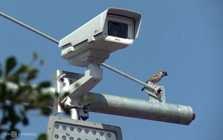 Camera được lắp đặt trên cao tốc Nội Bài-Lào Cai.Ảnh: Sơn Hải