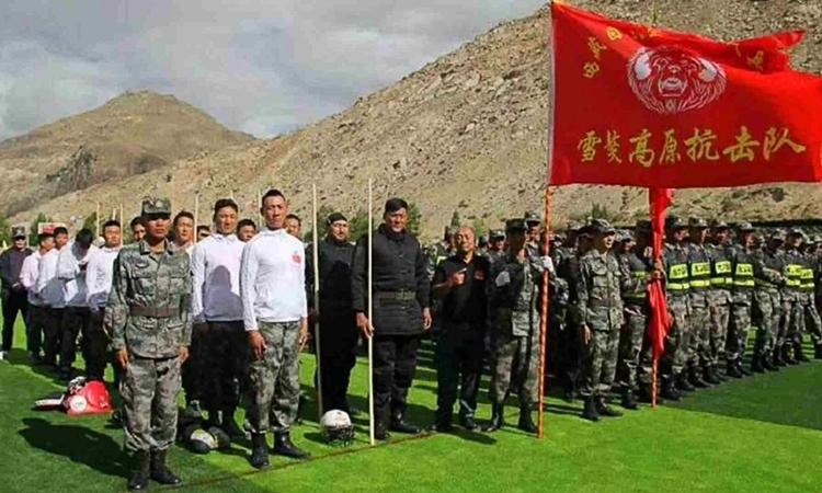 Nhóm võ sĩ MMA được điều đến Tây Tạng. Ảnh: Weibo.