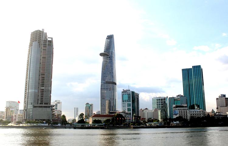 Cao ốc Sài Gòn One từng được kỳ vọng là một trong những công trình có kiến trúc đẹp nhất TP HCM. Ảnh: Sơn Hòa.