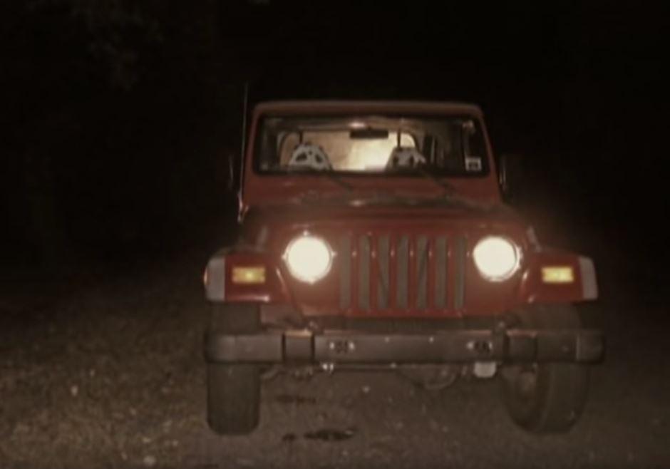 Chiếc xe Jeep nổi bật của Kim Medlin. Ảnh: Filmrise.