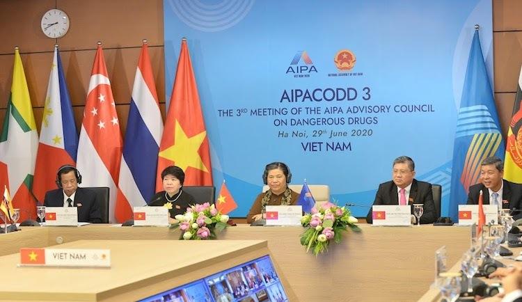 Nghị viện các nước ASEAN bàn chiến lược phòng chống ma tuý tại hội nghị ngày 29/6. Trong ảnh là điểm cầu tại nhà Quốc hội Việt Nam. Ảnh: Văn phòng Quốc hội