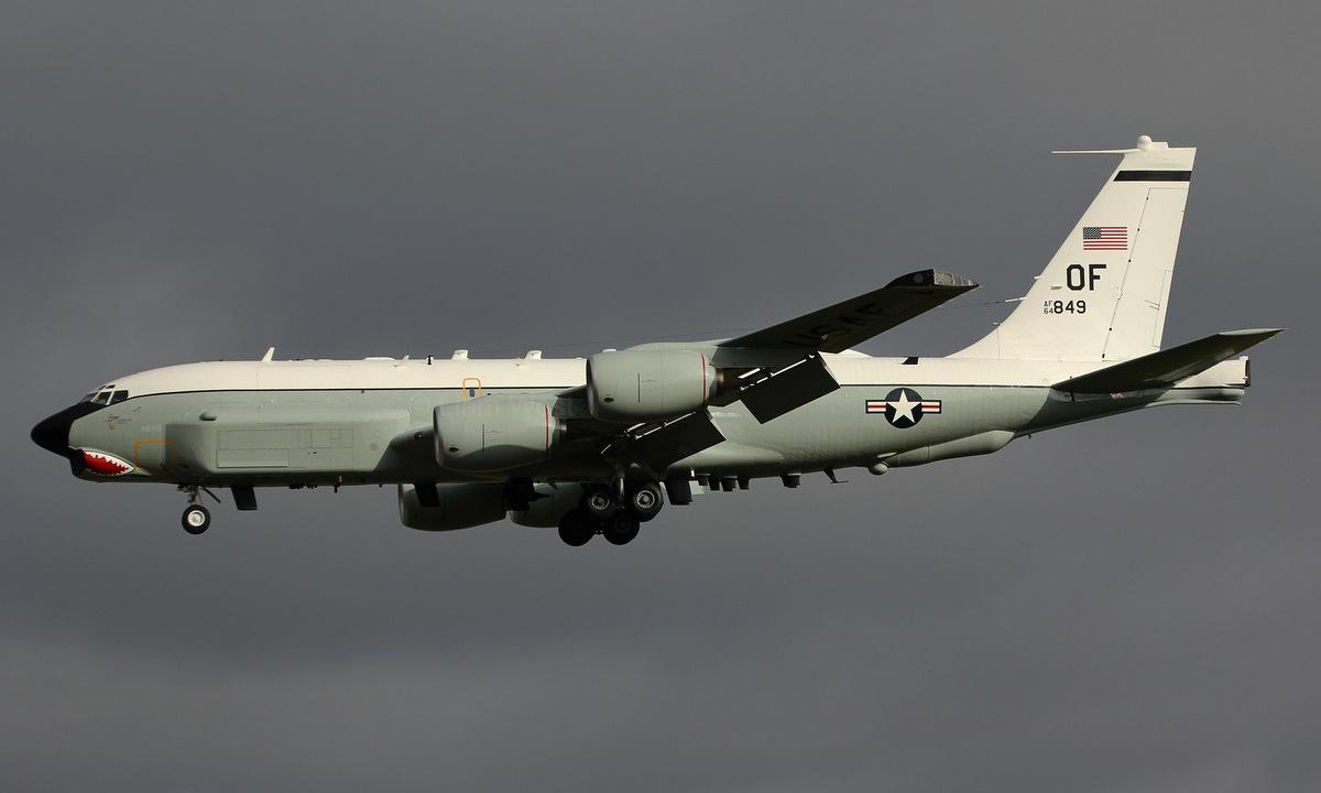 Trinh sát cơ RC-135U số hiệu 64-14849 làm nhiệm vụ hồi năm 2018. Ảnh: Flickr/Liam West.
