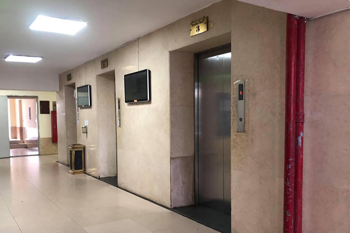 Sảnh thang máy nơi xảy ra vụ việc. Ảnh: Phạm Cường.