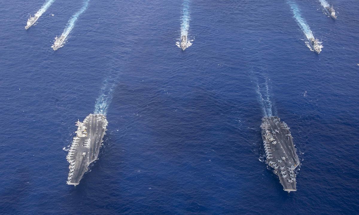 Hai tàu sân bay Mỹ diễn tập ở Biển Philippines hôm 23/6. Ảnh: US Navy.