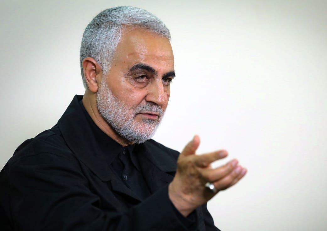 Tướng Iran Qassem Soleimani trả lời phỏng vấn tại thủ đô Tehran năm ngoái. Ảnh: AFP.