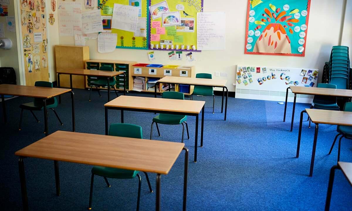 Một phòng học được thiết kế lại sau mùa dịch ở Northwich, Cheshire, Anh. Ảnh: The Guardian