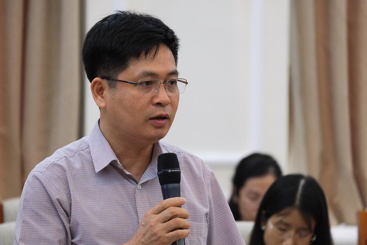Ông Nguyễn Xuân Thành nói về hệ thống trường chuyên tại họp báo quý II năm 2020 của Bộ Giáo dục và Đào tạo ngày 30/6. Ảnh: Dương Tâm.