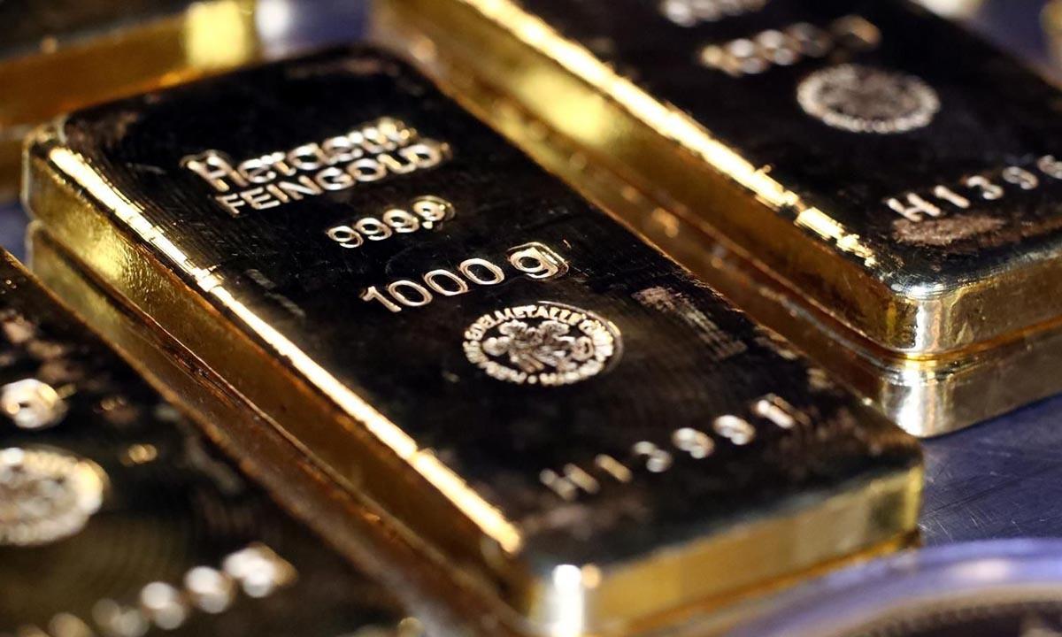 Các thanh vàng đặt trong một phòng ký gửi an toàn tại Munich, Đức, hồi năm 2019. Ảnh: Reuters.