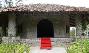 Nhà khách trong chùa xây bằng 60.000 chai nhựa