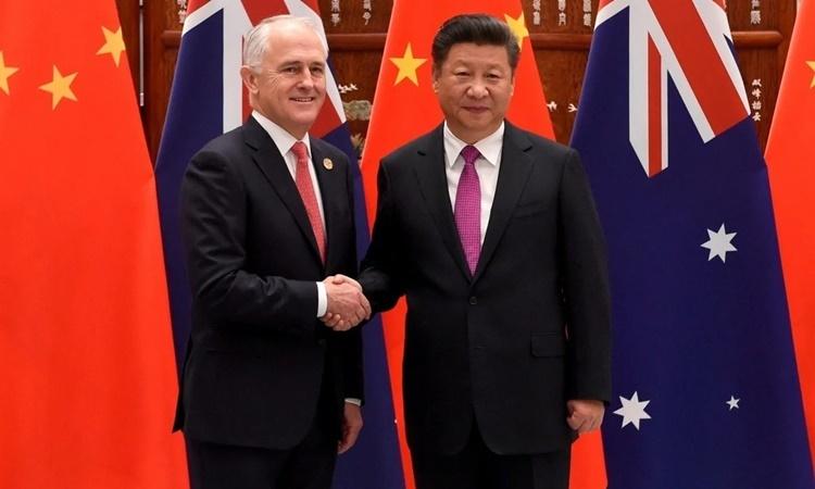 Thủ tướng Australia Marcolm Turnbull (trái) bắt tay Chủ tịch Trung Quốc Tập Cận Bình tại hội nghị thượng đỉnh G20 ở Trung Quốc hồi tháng 9/2016. Ảnh: Reuters.
